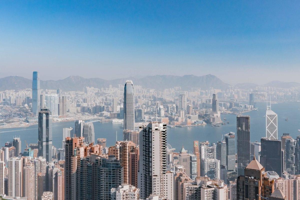 Die Skyline von Hongkong - Helikoptergeld für alle Bürger