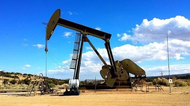 Eine alte Pumpe für Öl