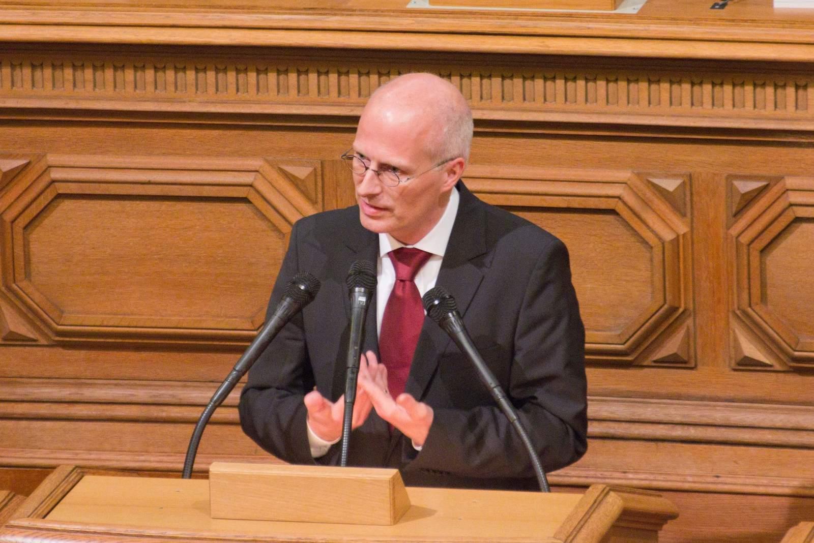 Peter Tschentscher von der SPD, verstrickt in den Cum Ex-Skandal?