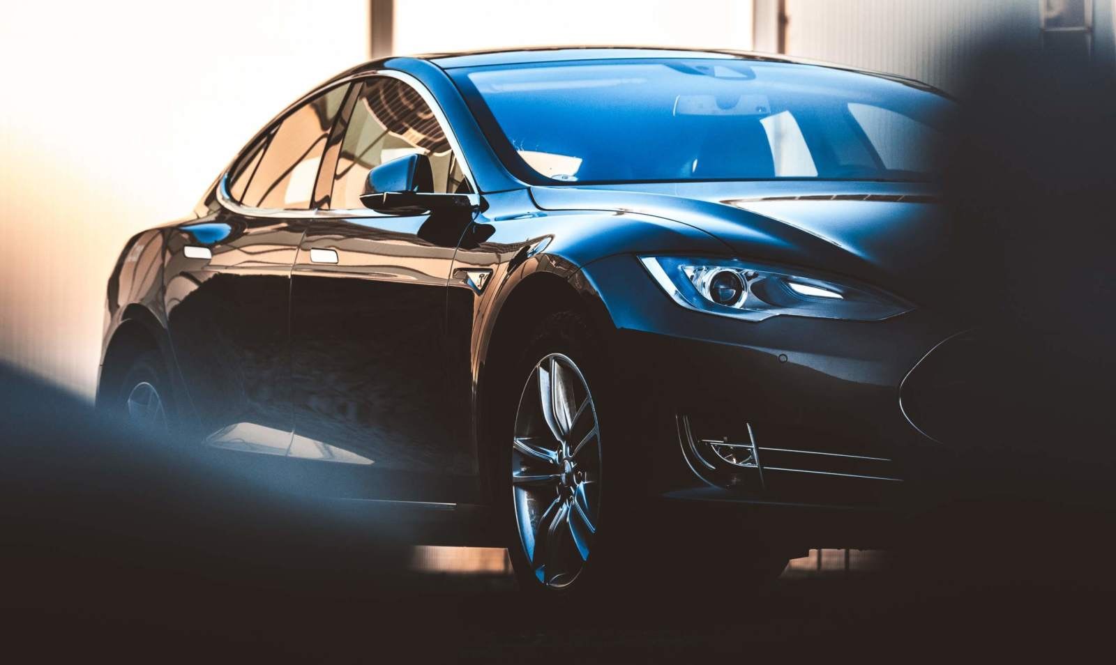 Ein Tesla Auto