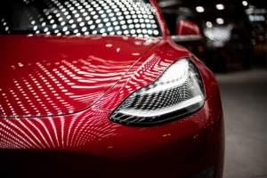 Tesla verkaufgt eigene Aktien im Volumen von fünf Milliarden Dollar
