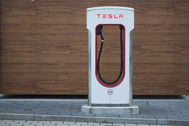 Eine Ladesäule von Tesla
