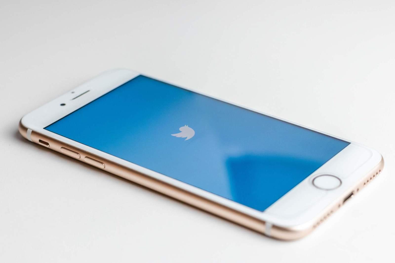 Twitter Handy App Beispielfoto