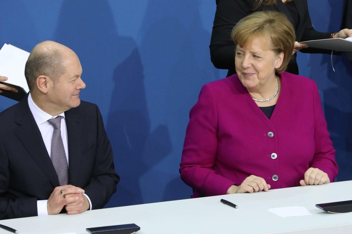 Bundesregierung Scholz und Merkel