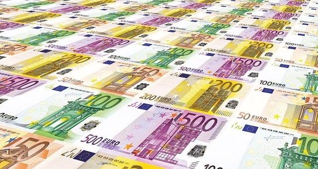 Verschiedene Euro-Geldscheine