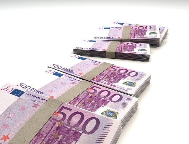 500 Euro Geldscheine Symbolbild