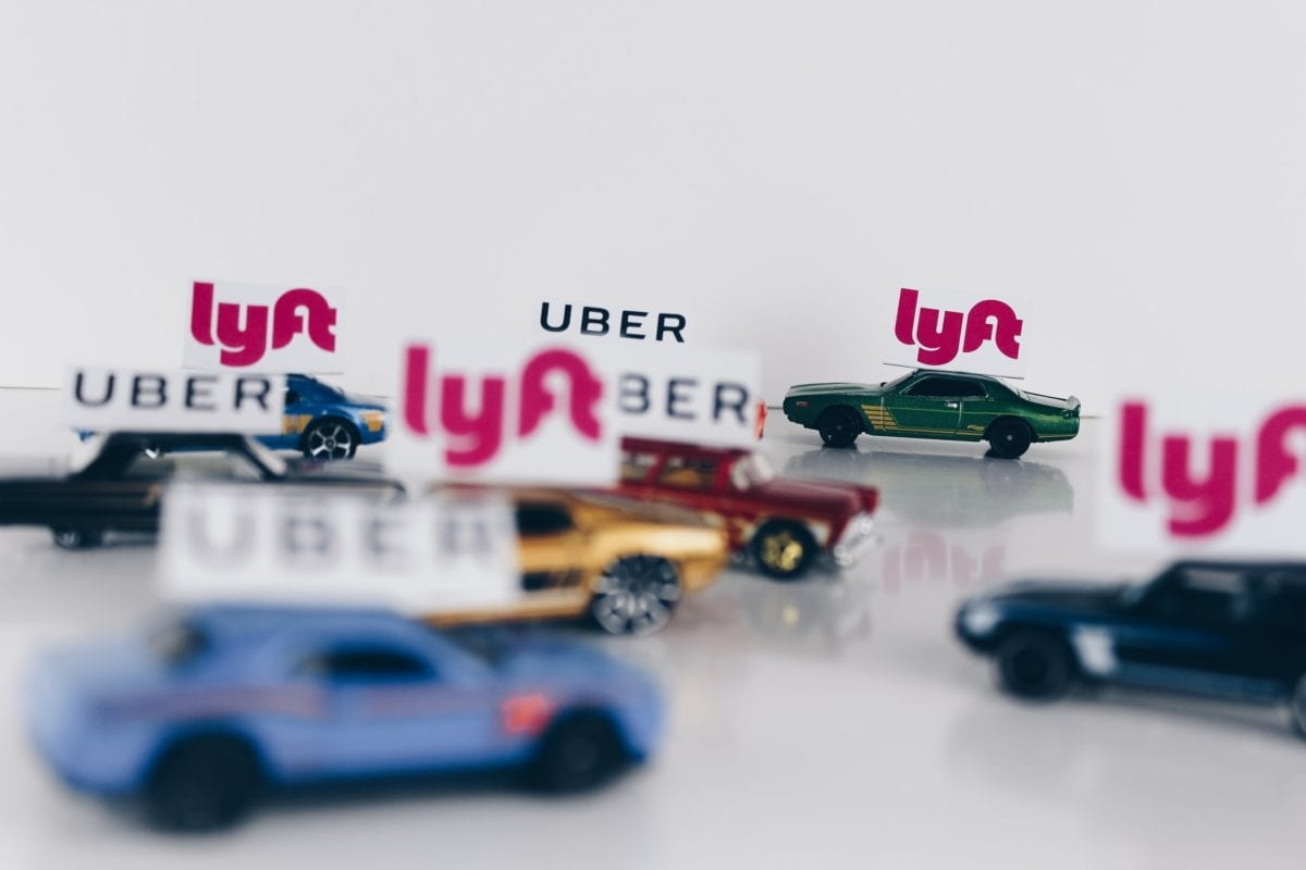 Symbolbild für Uber und Lyft