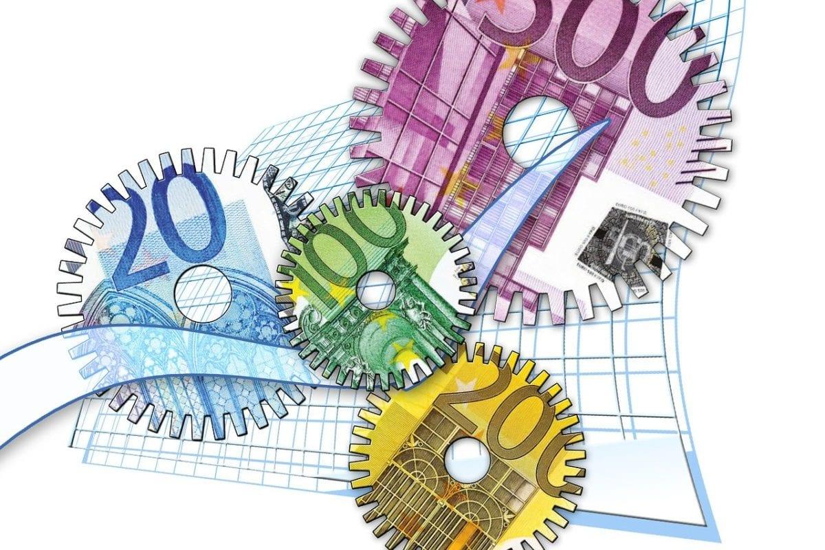 Symbolbild für Preise im Euro-Geldscheinen