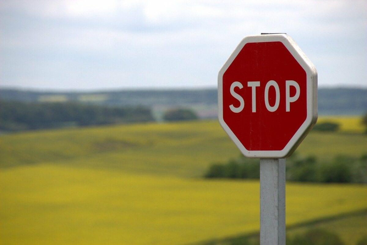 Stop! Bundesregierung will ausländische Corona-Aasgeier abwehren