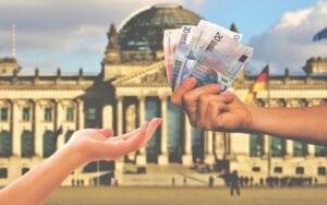 Die Coronakrise lässt die Steuereinnahmen in Deutschland einbrechen