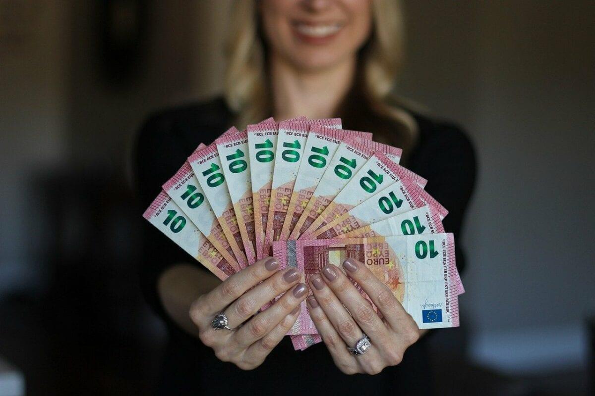 Bargeld wird immer weiter zurückgedrängt - Norbert Häring im Interview