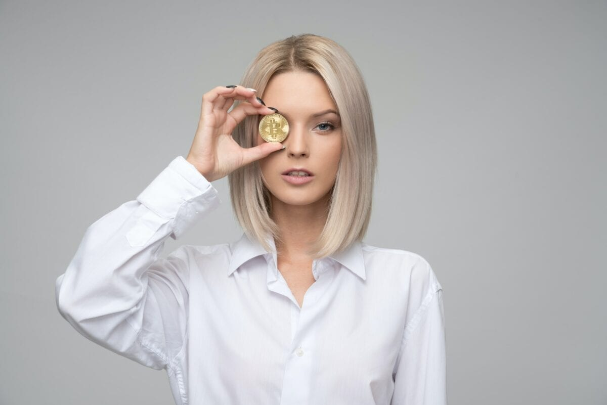 Reines Smybolbild eines Bitcoin als Münze