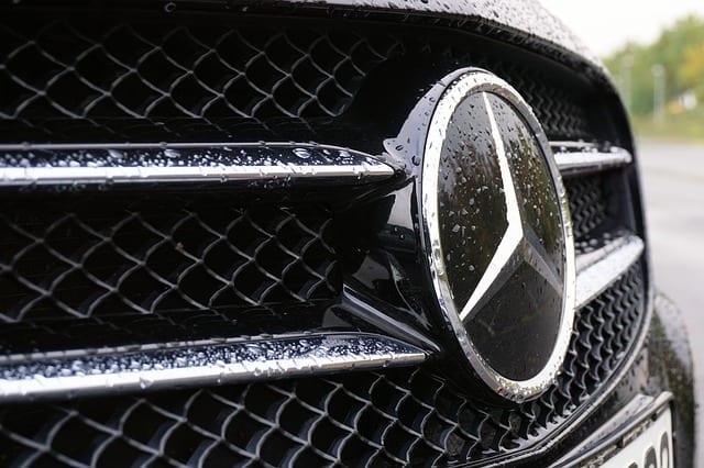 Das Mercedes Logo von Daimler
