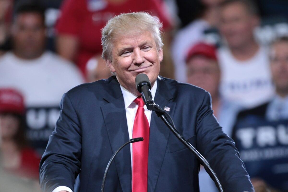 Donald Trump twittert aktuell mit guter Laune