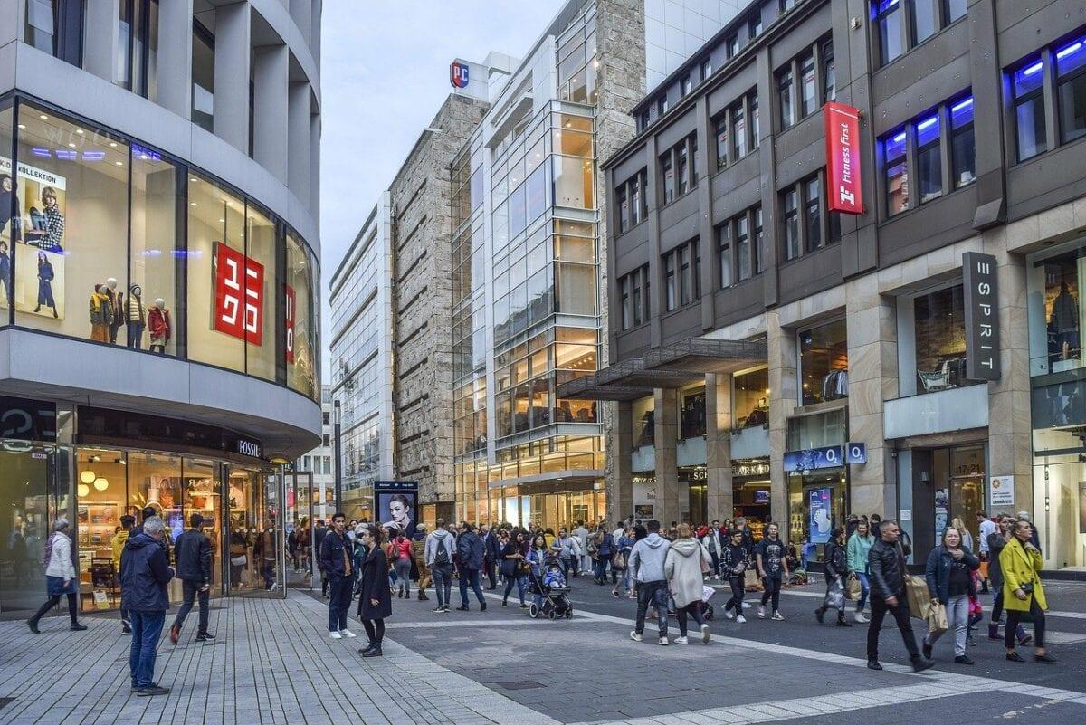 Einkaufsstraße - Konsumklima bleibt getrübt