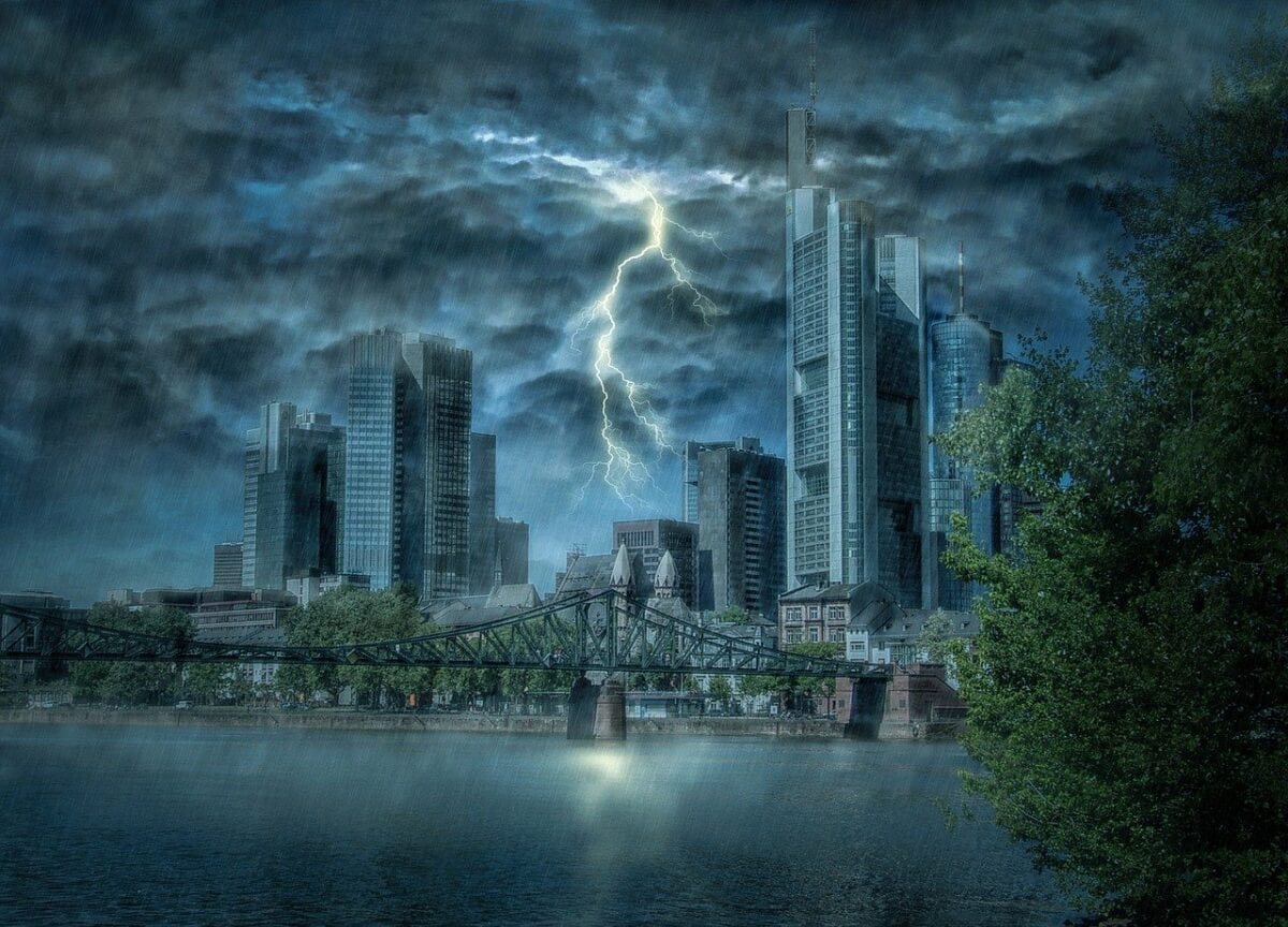 Skyline von Frankfurt - Kreditausfälle als Riesenproblem?