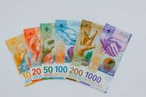 Geldscheine des Schweizer Franken - mit anderer Optik als beim Euro
