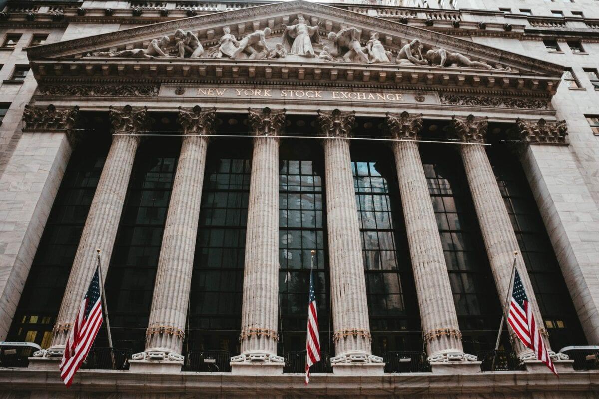 New York Stock Exchange Frontansicht, Symbol der globalen Aktienmärkte