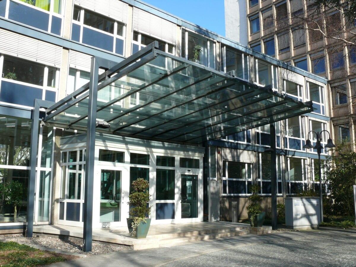 Eingang zum BaFin-Gebäude in Bonn