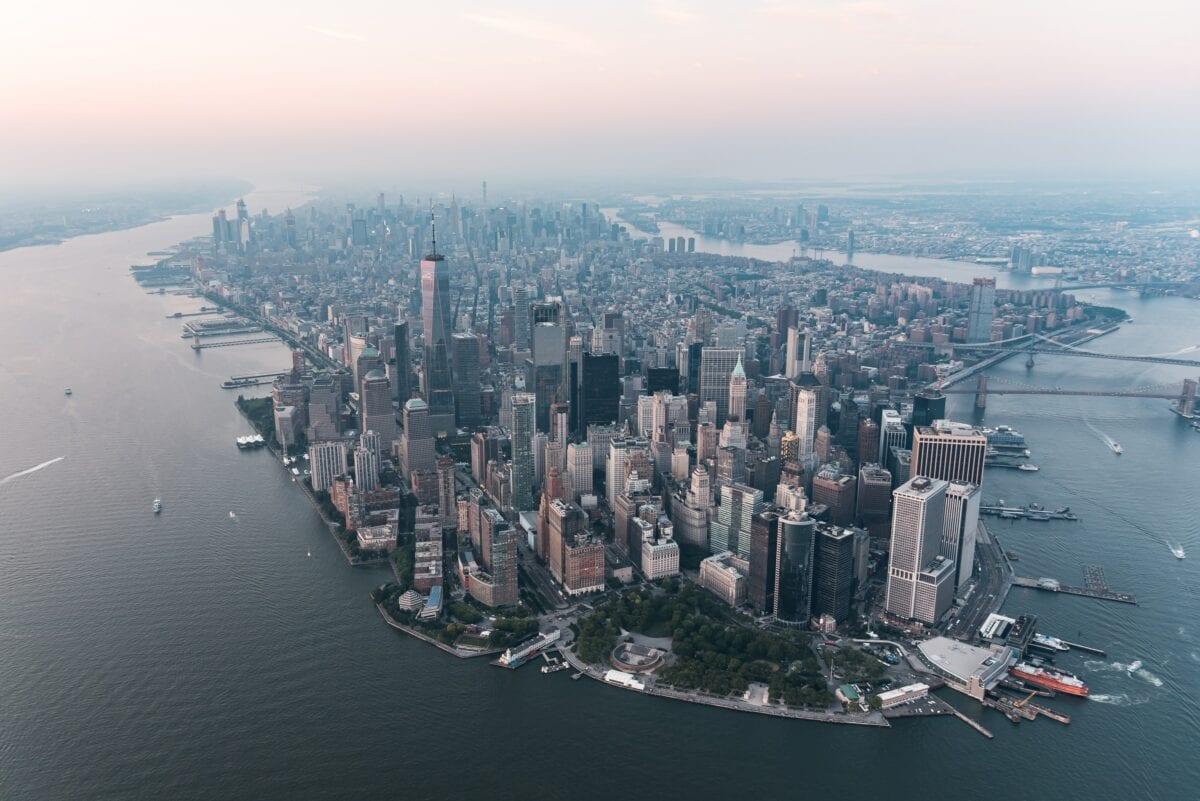 Insiderverkäufe nehmen stark zu, Angst an der Wall Street in New York