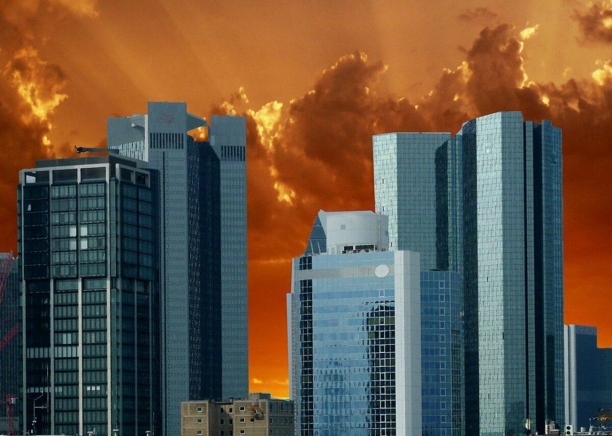 Bankentürme in Frankfurt - Kreditausfälle könnten problematisch werden
