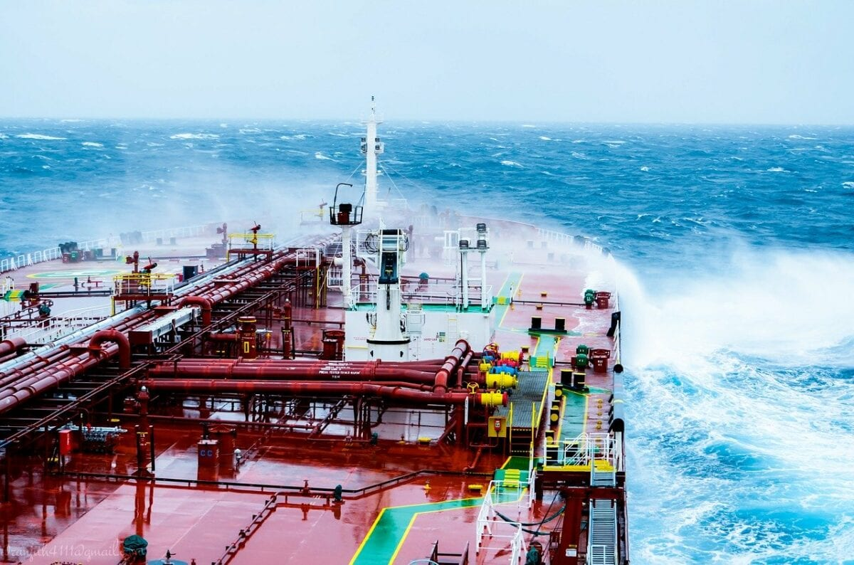 Ein Öl-Tanker auf hoher See