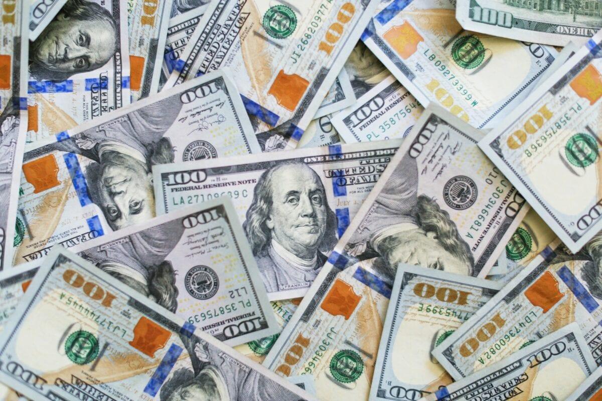Wirtschaftskrise bekämpfen mit Geld drucken und staatlichen Aktionen
