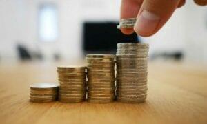 Wie die Zinsen auf Aktien und Anleihen wirken