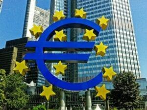 Einigung der Notenbanken - die Fed und die EZB mit ähnlichen Maßnahmen