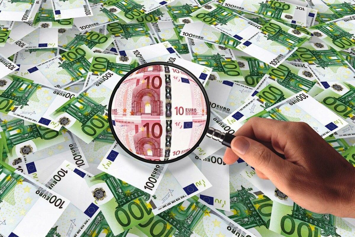 Inflation und viele Geldscheine