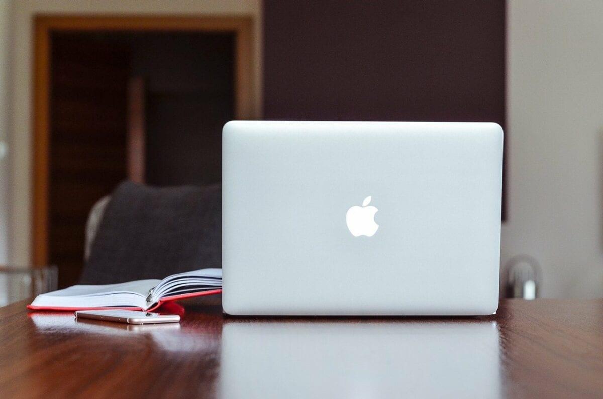 Ein Apple Mac Book