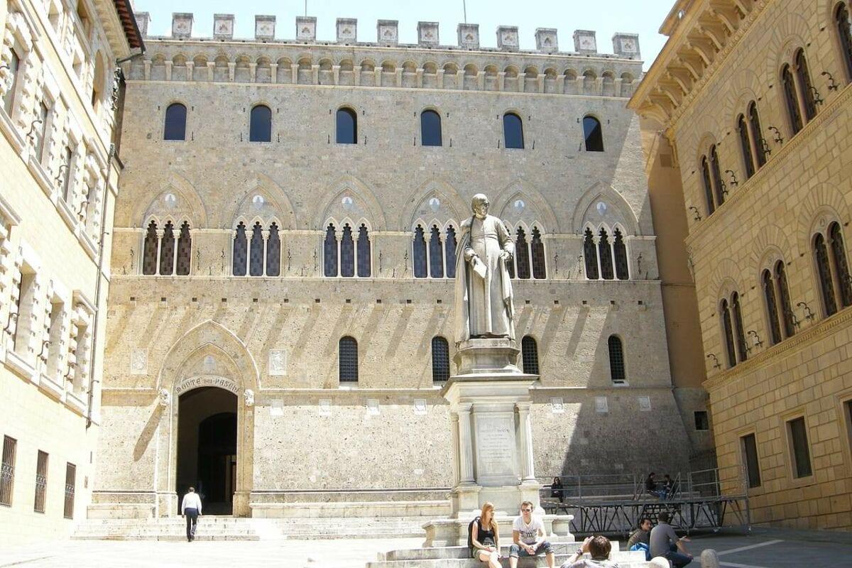 Zentrale der Bank Monte dei Paschi in Sienna