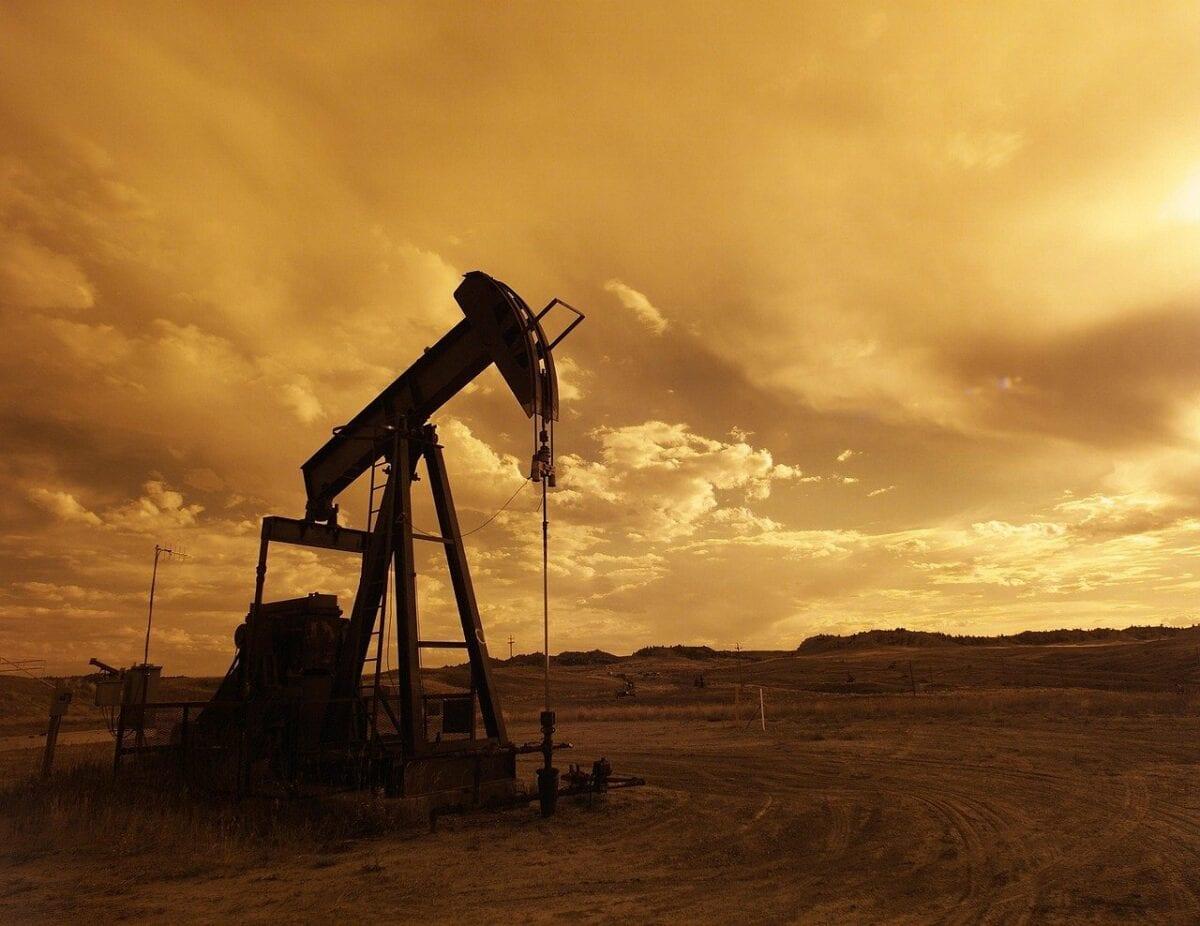 Eine Öl-Pumpe in der Wüste
