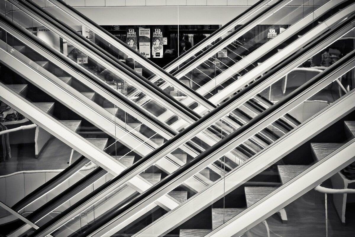 Beispielbild für Rolltreppen in einem Kaufhaus
