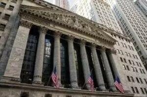 Die Aktienmärkte sind mit Gled geflutet, aber haben Zinsangst