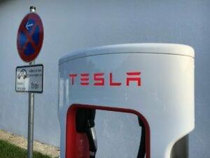Tesla wird gejagt von Volkswagen