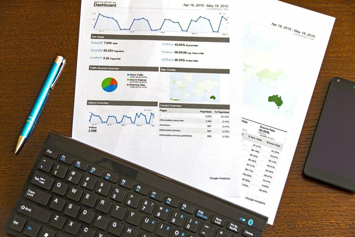 Analyse auf Schreibtisch