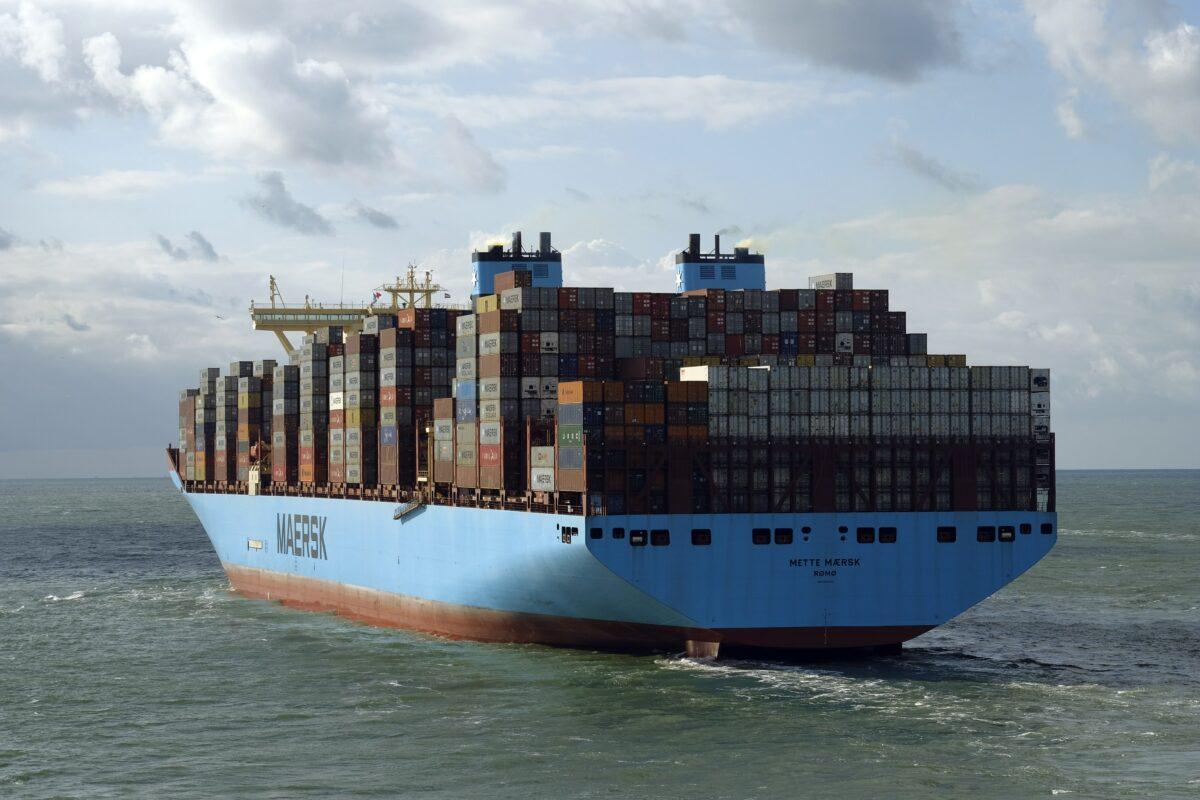 Containerschiff als Teil globaler Lieferketten