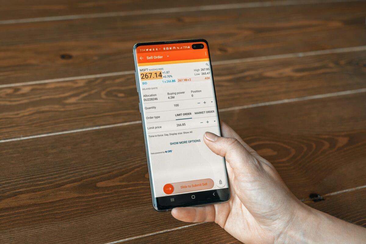 Handel mit Aktien über Smartphone App