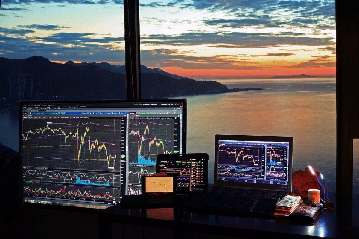 Trading vor mehreren Bildschirmen