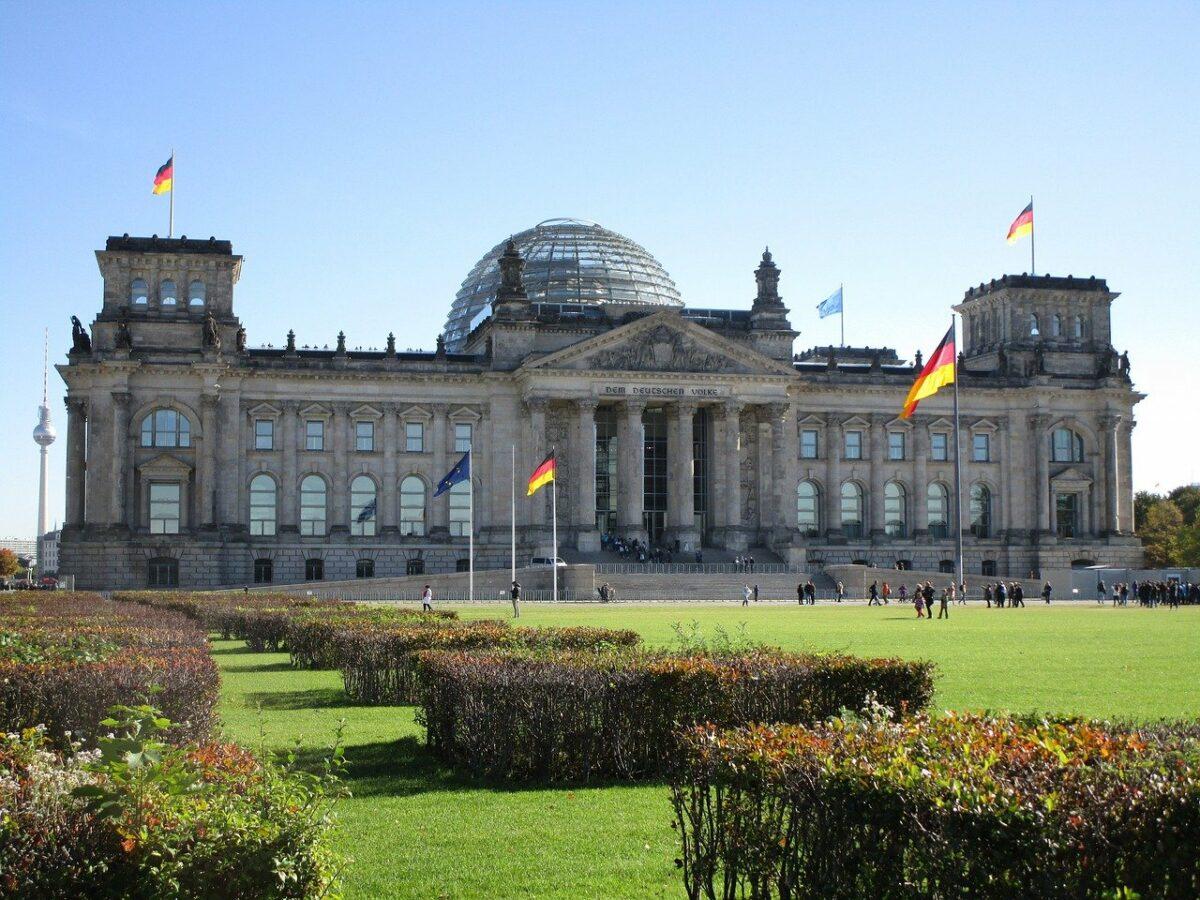 Der Bundestag tagt im Reichstag