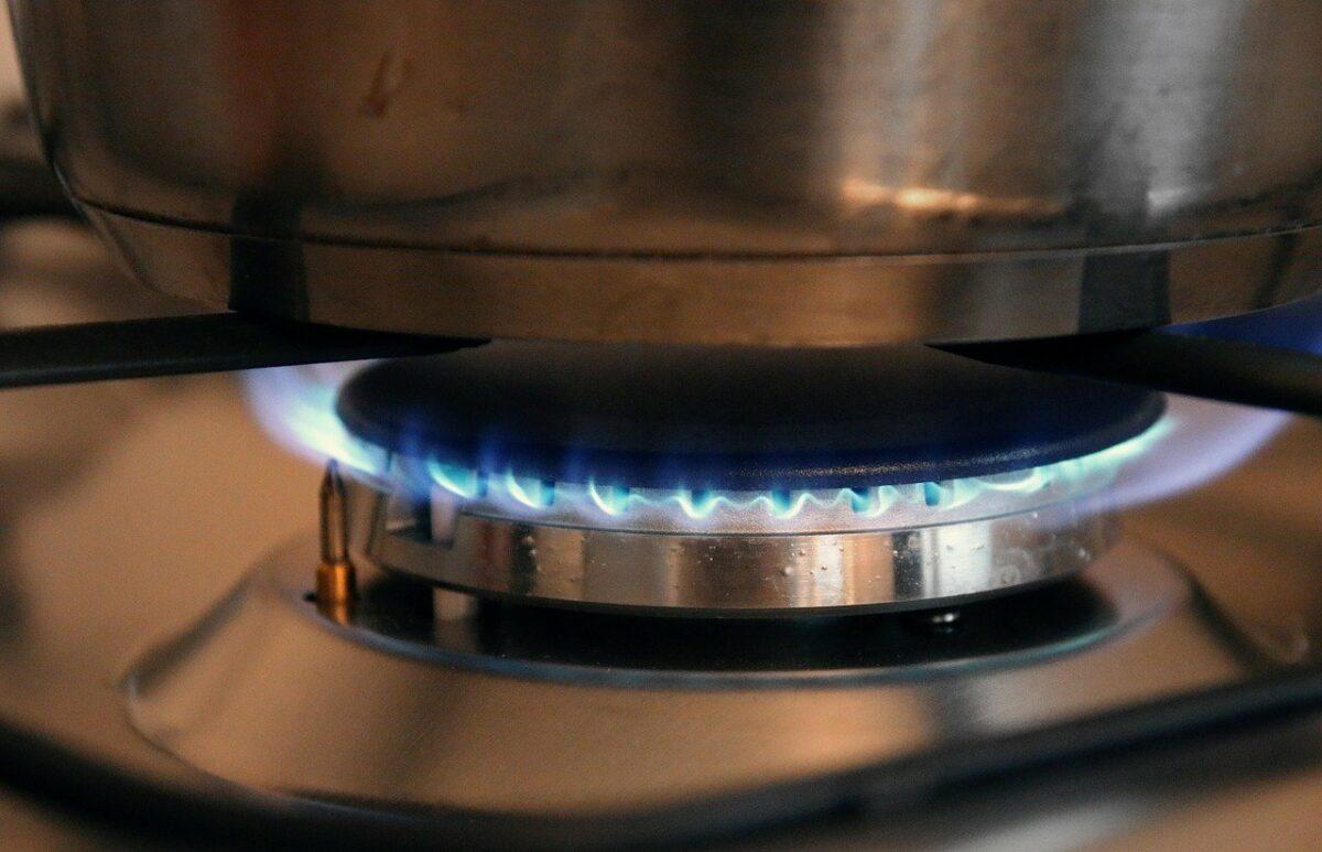 Gas-Flamme unter einem Topf