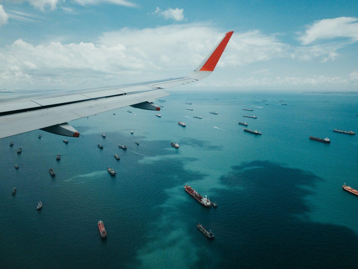 Schiffs-Stau vor Häfen als Symbol für Lieferengpässe